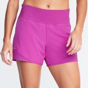 Plus size active shorts